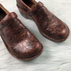 Born Shoes - BORN Brown Leather Floral Clogs Slip On Shoes 8.5